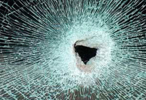 Delito de rotura de vidrio